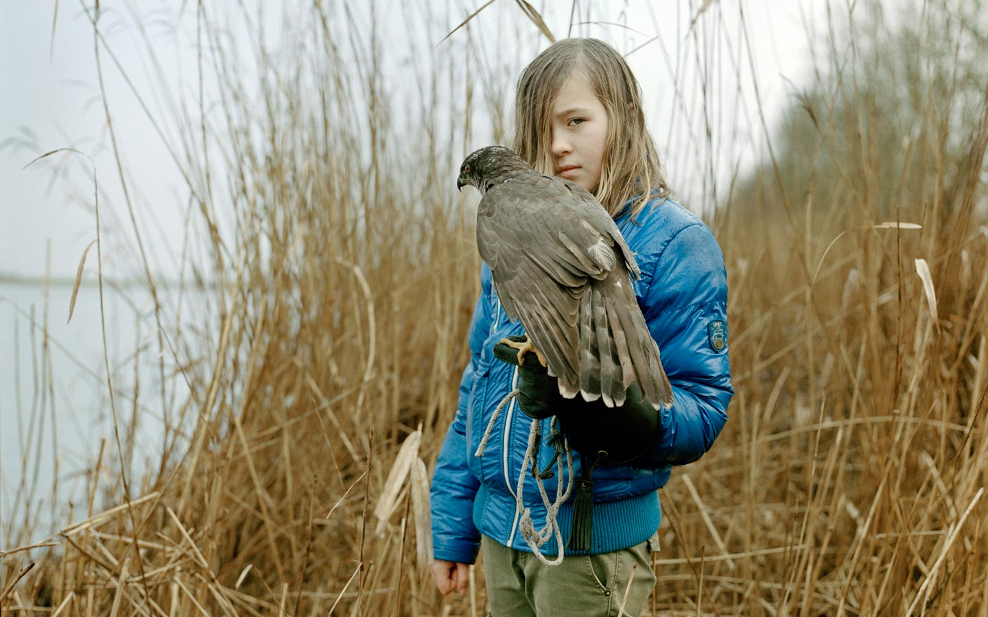 FotoFirst —Loek Buter Portrays Young Falconers and Their Birds of Prey